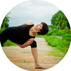 What S The Difference Hatha Yoga Vs Vinyasa Yoga
