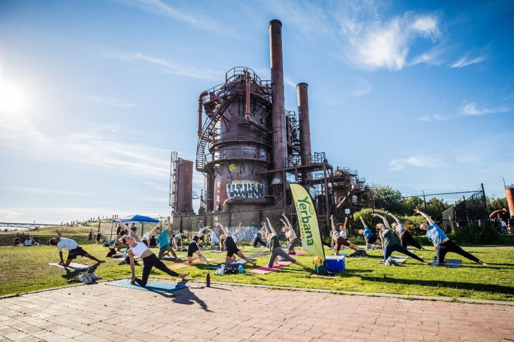 Free Yoga in the Park at Gas Works Park - Yerbana